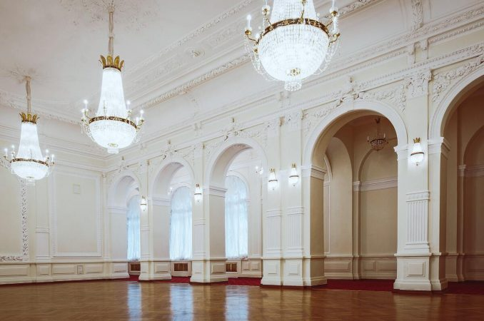 Virtual tour of ballroom